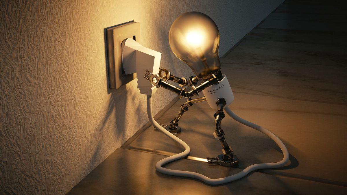 Plus de 100 000 foyers français ont choisi l'autoconsommation pour diminuer leurs factures d'électricité.